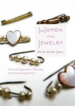 Women and Jewelry. A Social Approach to Wearing and Possessing Jewelry