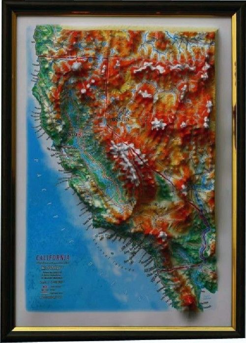 CALIFORNIA. 3 D relief wall map with panorama effect  330*248*30 mm