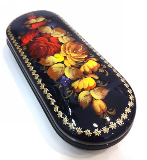 Eyewear case with flowers