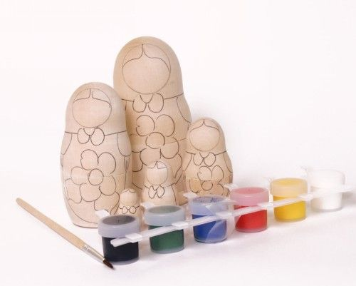 Do it yourself-matrioshka doll (with acrylic paints and paintbrush)