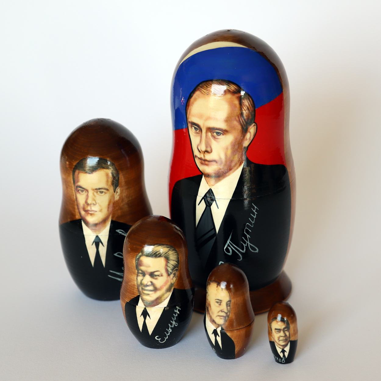 Matreshka Matryoshka (Nesting doll). Russian politicians (with Putin) 5 pieces