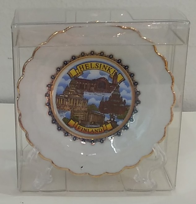 Souvenir plate with stand, 8 cm - Helsinki/ Kombi