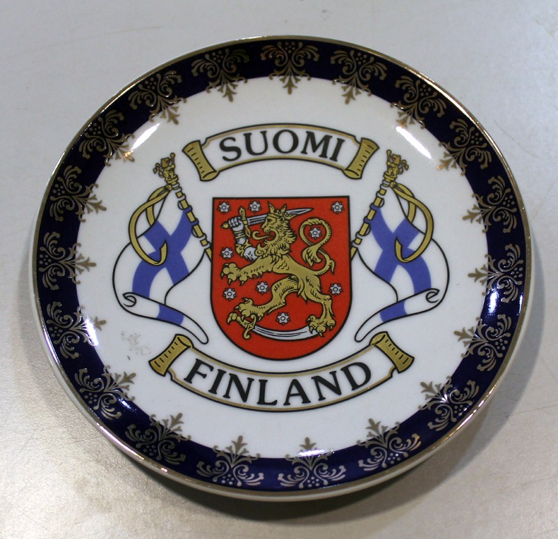 Glossy Ceramic Souvenir Plate 15 cm - Flags and Emblem